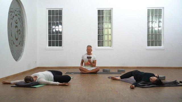 Yin - Nach Aussen öffnen (nach Innen zentrieren)