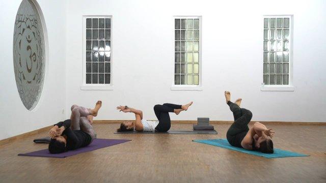 """Vinyasa Yoga """"Schulter und Nacken"""""""